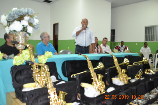 ENTREGA DE INSTRUMENTOS MUSICAIS NOVOS PARA BANDA DE MUSICA DE CHAPADA DA NATIVIDADE-TO